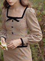 Square-neckline dress - SINCETHEN