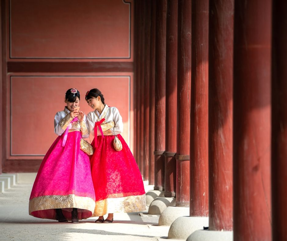 What is Women's Hanbok?