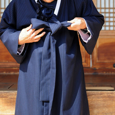 How to Wear Hanbok: Men's Hanbok Guide