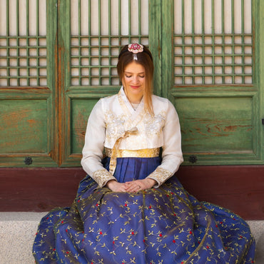How to Wear Hanbok: Women's Hanbok Guide