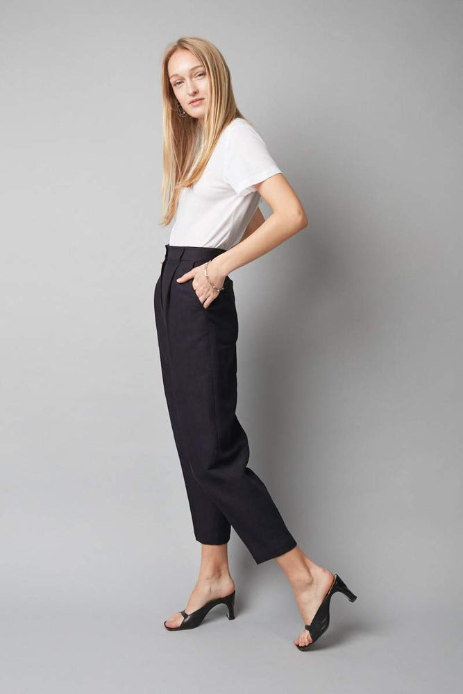 Nique - Float Pant in Navy