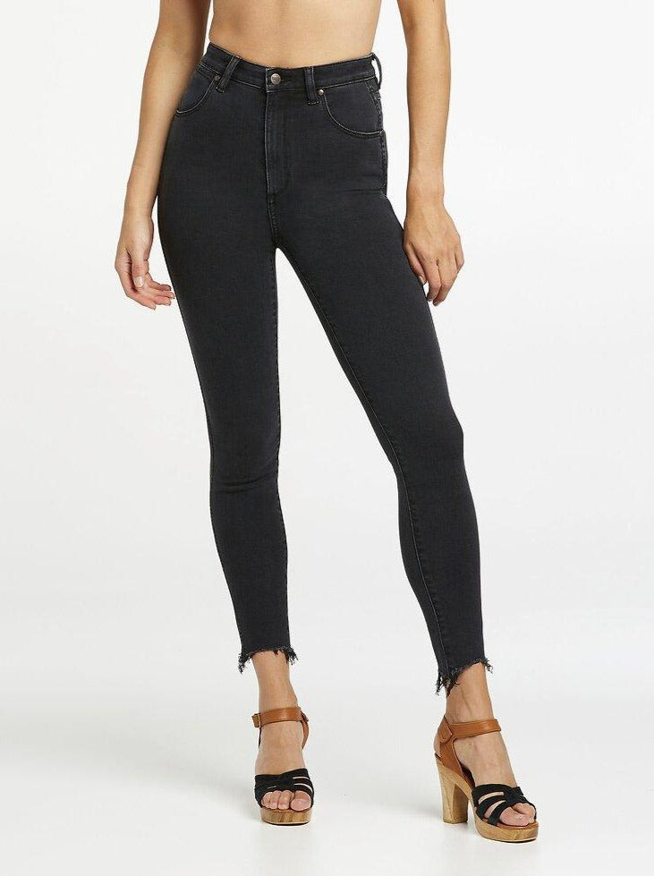 Wrangler - Hi Pins Cropped Jeans in Savage