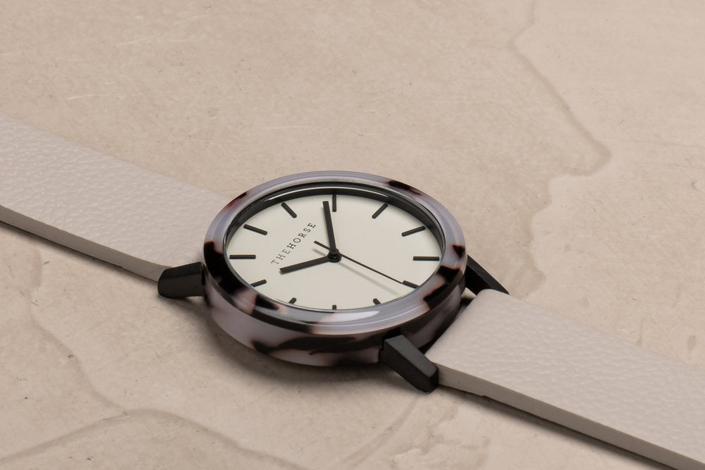 The Horse -The Mini Resin Watch In Blonde Tortoise Shell / Soft Grey Dial / Grey Leather Strap