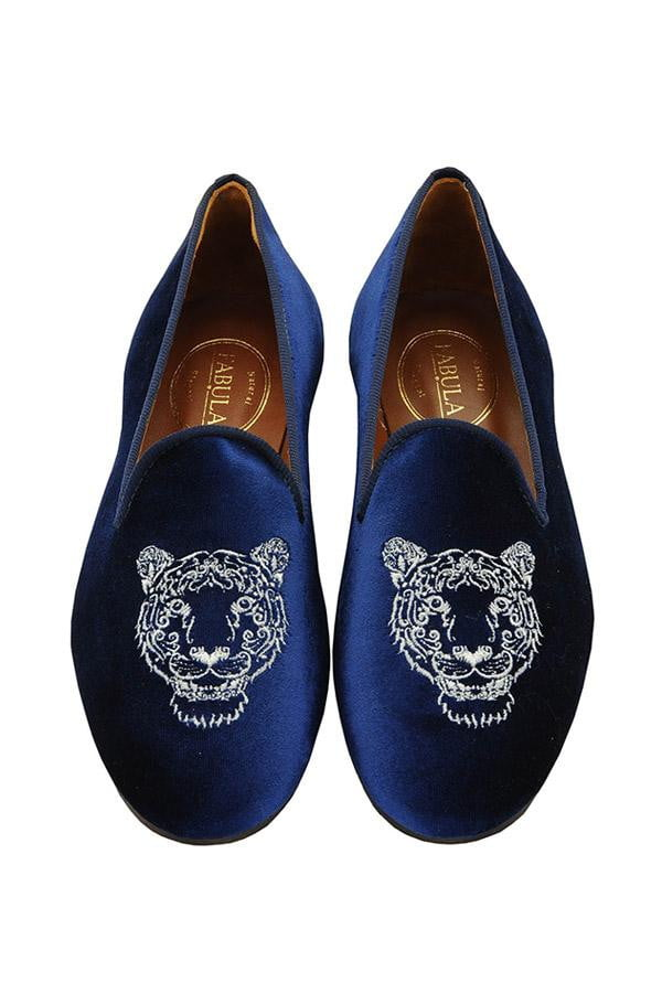 navy velvet slippers with a leon embroidery