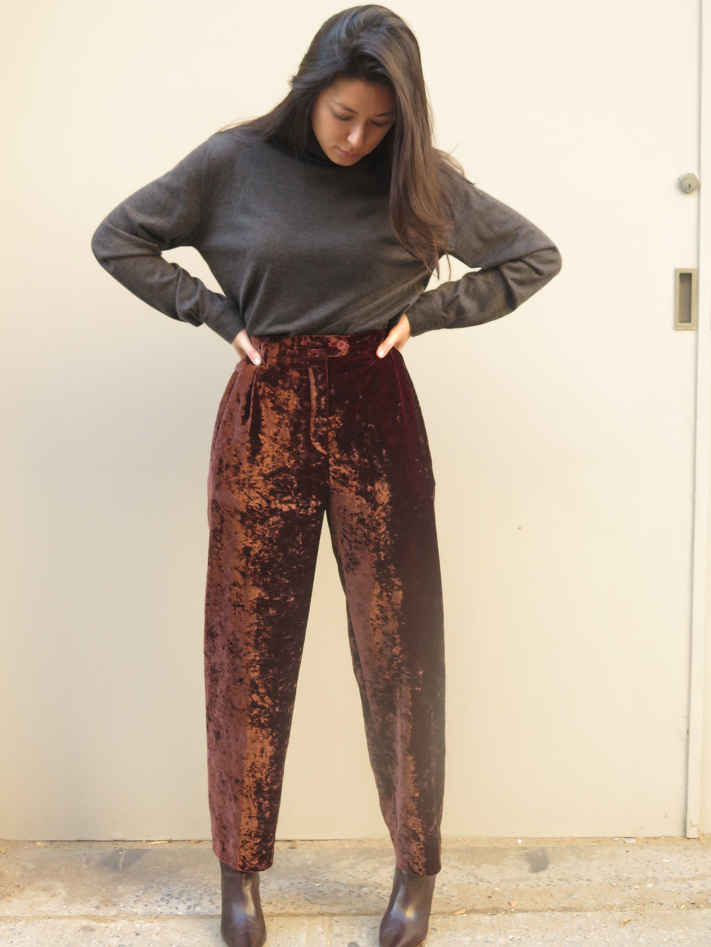 Escada luscious Brown Crushed velvet slacks Sz M