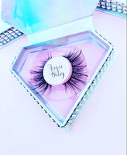 "Load image into Gallery viewer, ""Angie Baby"" Wispy 3D Cruelty Free Lashes"