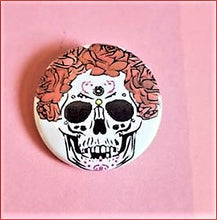 "Load image into Gallery viewer, 1 SUGAR SKULL 1.5"" Pin Button"