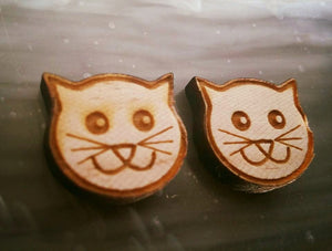 "1/2"" SMILEY KITTY Earrings 1 Pair Wooden Stud"