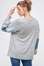 Load image into Gallery viewer, Just Be Beautiful - long sleeve loose top