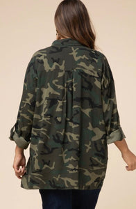Camouflage button-up