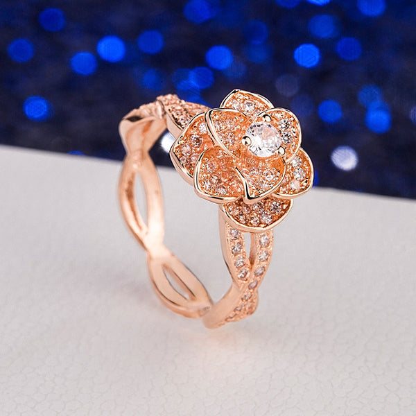 Elegant Female Dazzling Flower Ring Zircon Anniversary Jewelry High Quality Exquisite Crystal Wedding Engagement Fashion Ring