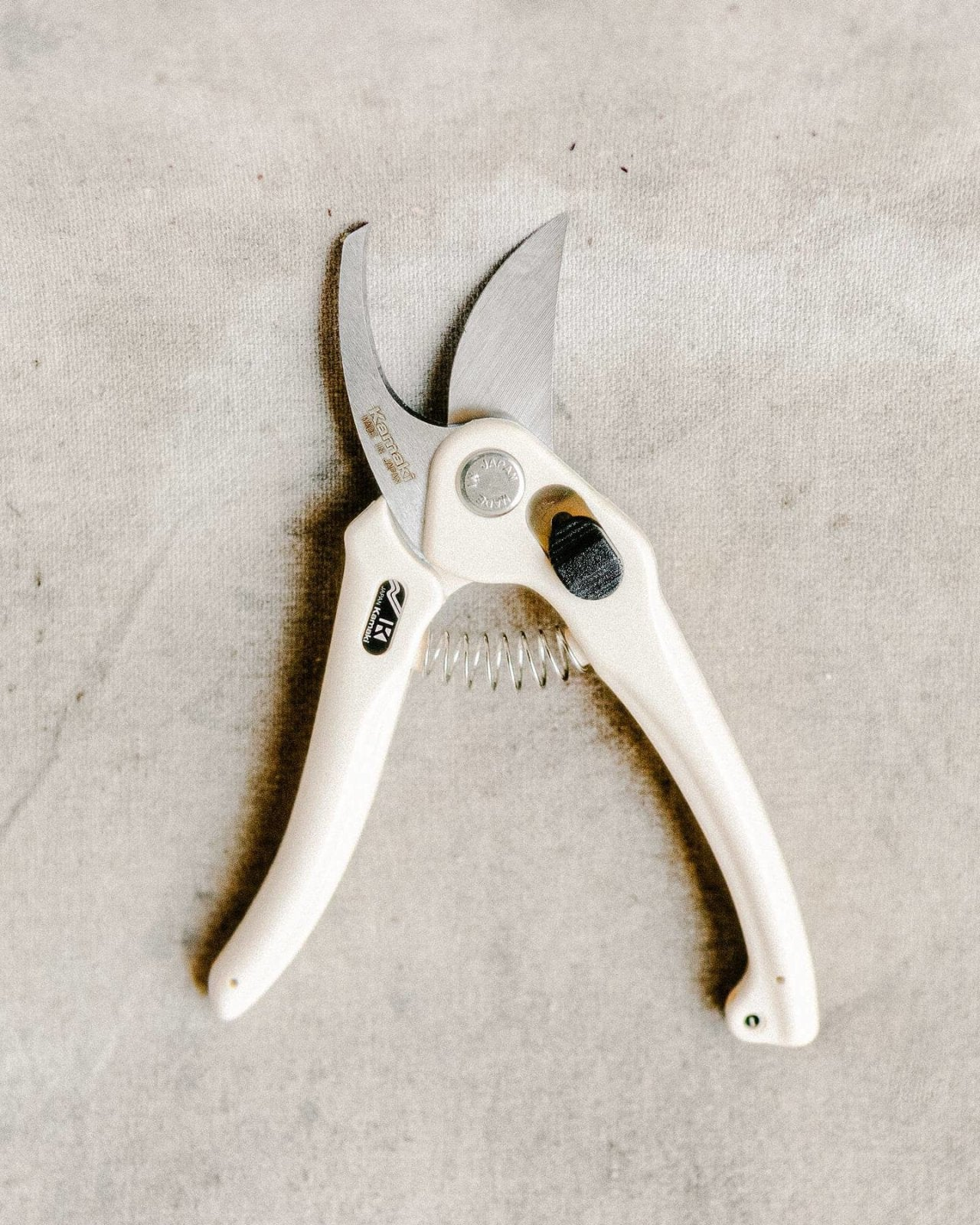 Kamaki Pruners (versatile for the garden), Tool Delivery, The Unlikely Florist