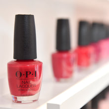 Load image into Gallery viewer, OPI Nagellack: Big Apple Red