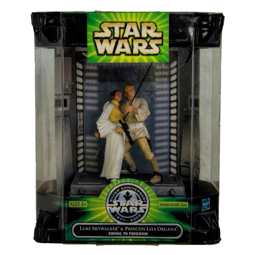 Star Wars Luke and Leia Swing to Freedom Diorama
