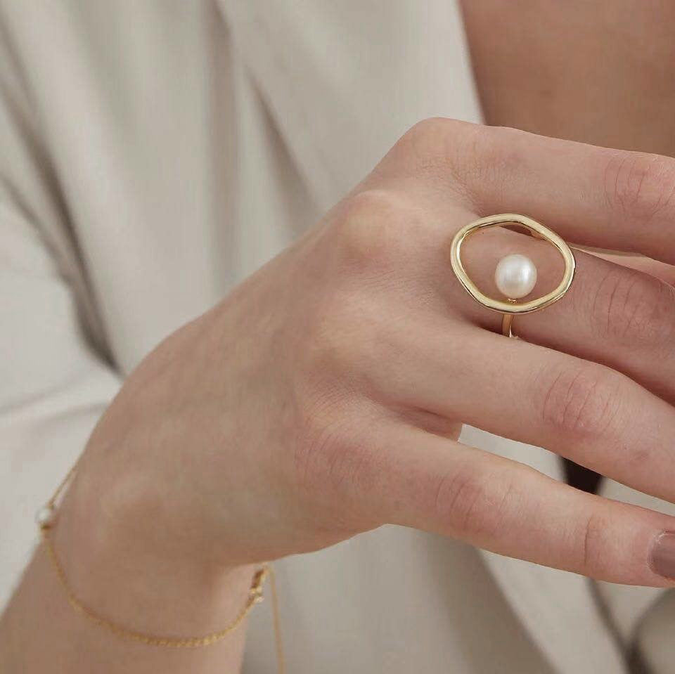 Evelyn pearl ring