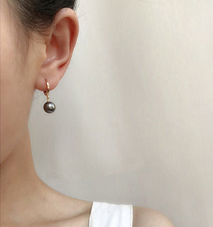 Load image into Gallery viewer, Lucy pearl earrings