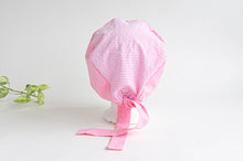 Charger l'image dans la galerie, Rear View of Cotton Cloth Scrub Hat, Pink Stripes & Dots pattern
