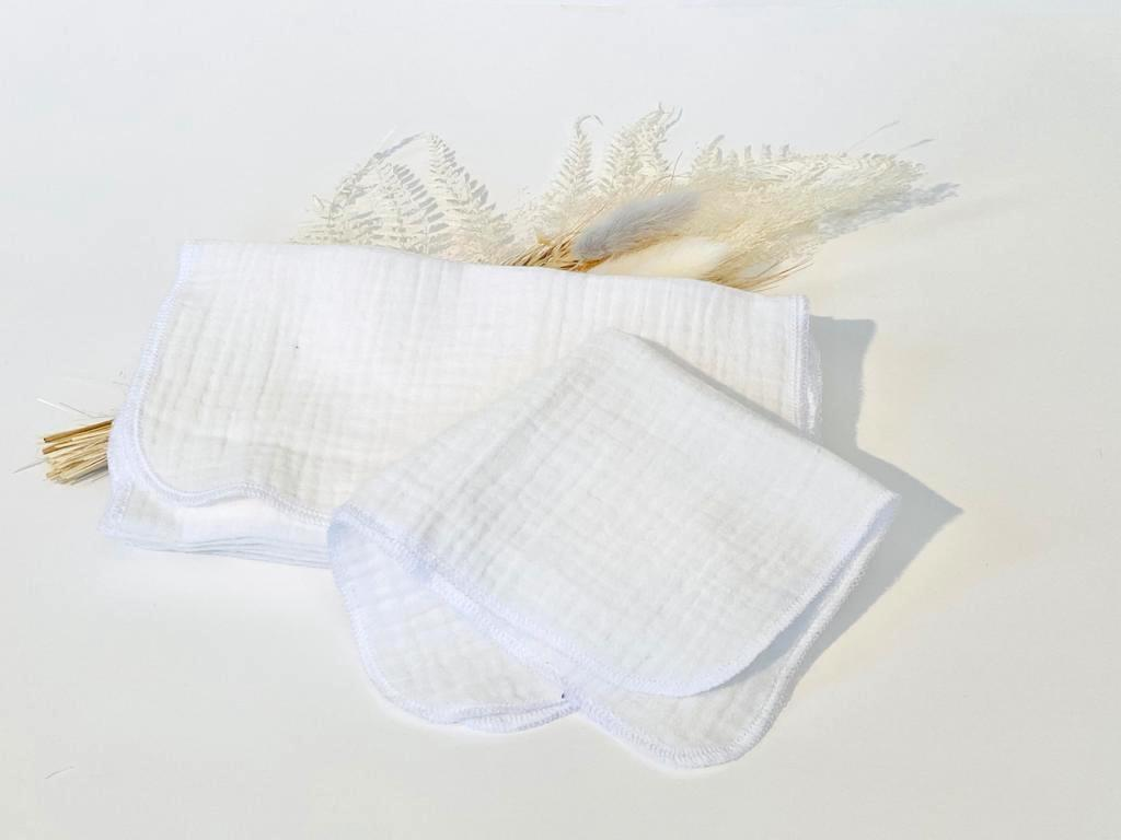 12 White handkerchiefs in 100% cotton