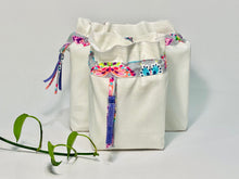 Charger l'image dans la galerie, Two bags in off-white cotton with a Butterfly trim. One bag is big and one small