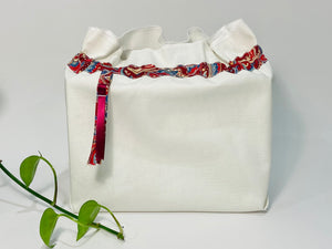 One big bag in off-white cotton canvas with a Red Paisley trim