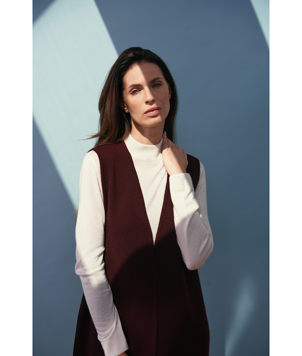 JENNIFER JOANOU New York | Morton Vest - The Guestlist