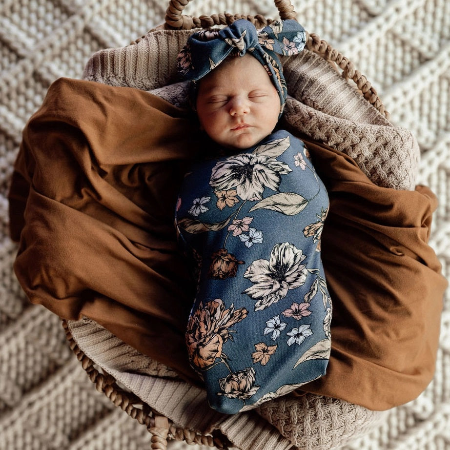 NEW Snuggle Swaddle & Top Knot Set - Belle