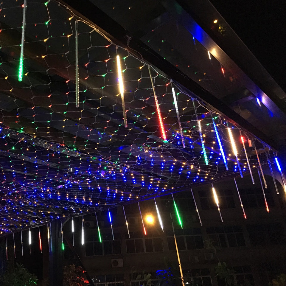 dripping icicle lights - Trending2