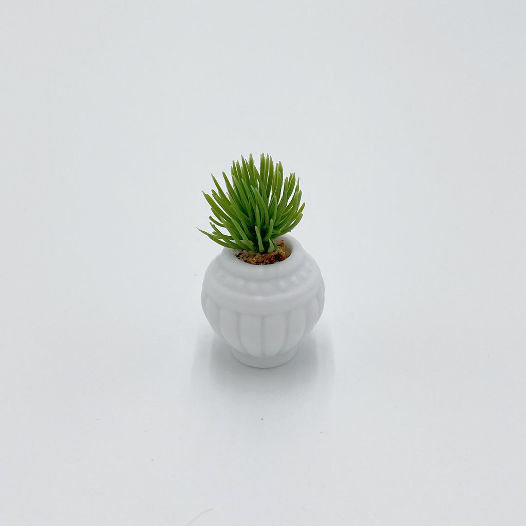 Small Plant in White Pot For Dollhouse - Life In A Dollhouse
