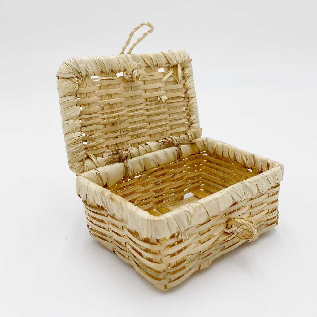 Basket Coffee Table For Dollhouse - Life In A Dollhouse