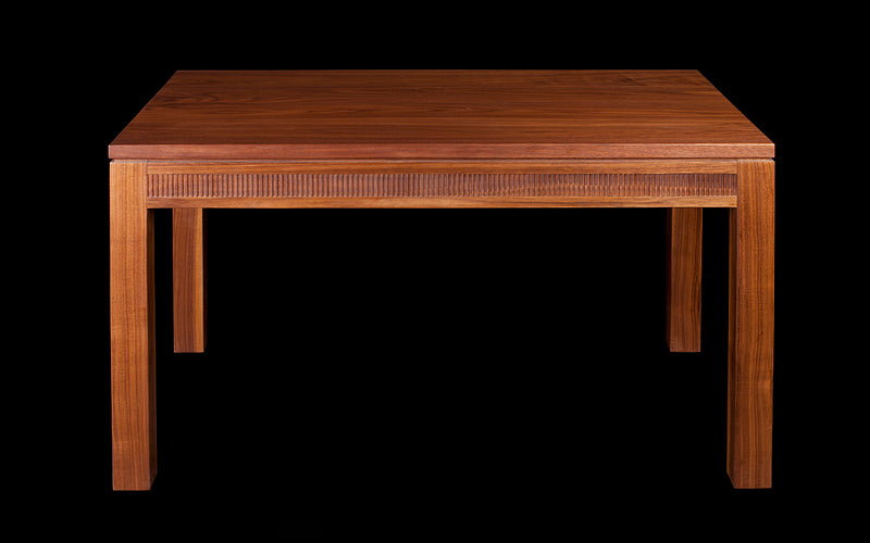 MODERN CLASSIC DINING TABLE IN WALNUT