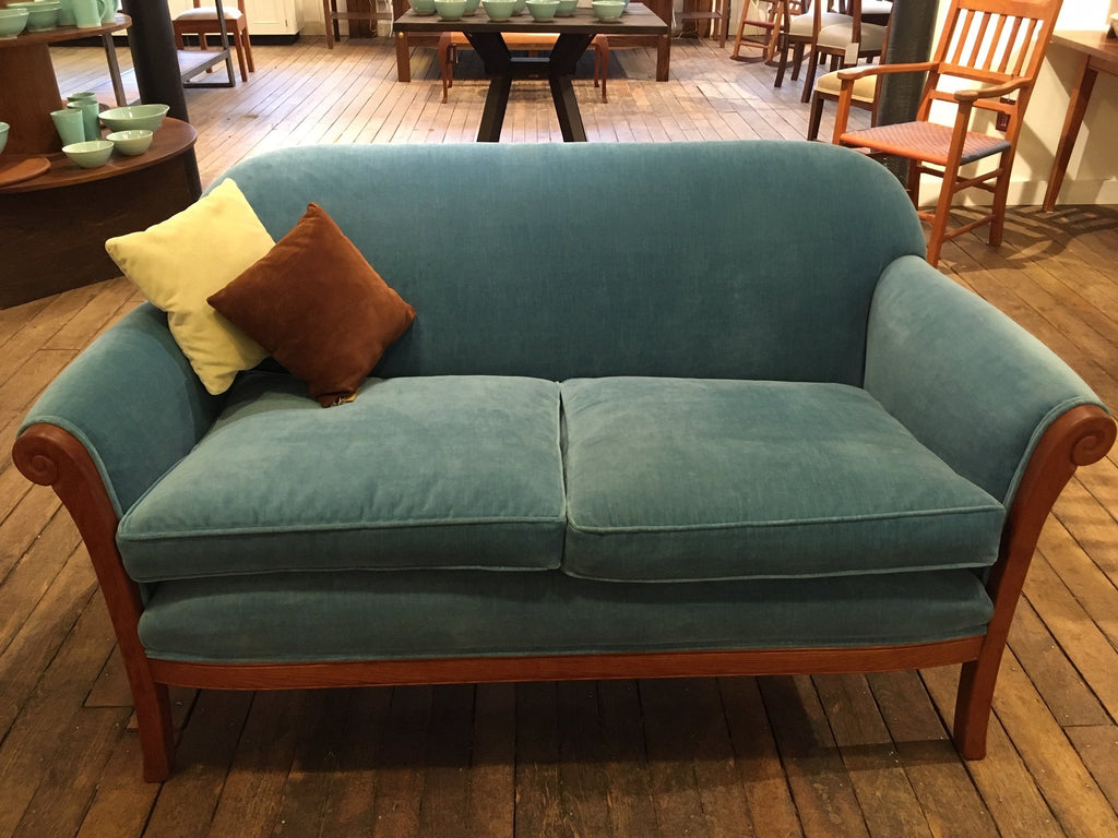 LUCY'S LOVESEAT WITH ROBERT ALLEN CONTENTMENT VELVET - ShackletonThomas