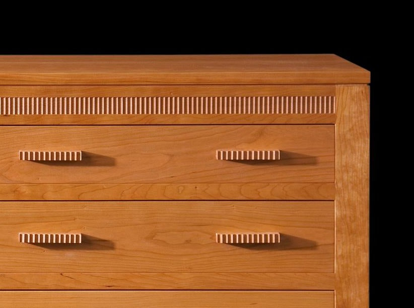 MODERN CLASSIC CHEST OF DRAWERS