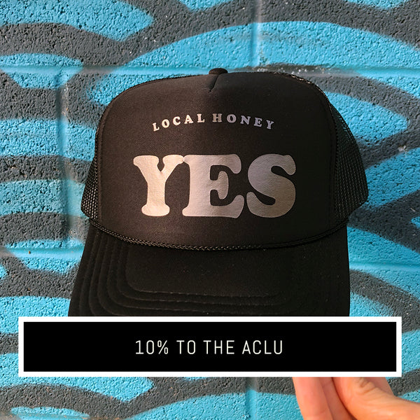'YES' UNISEX TRUCKER HAT