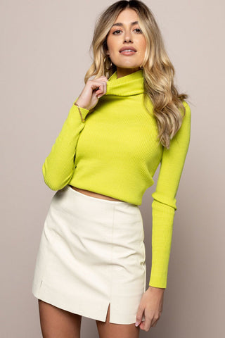 Atlas Turtleneck in Lime