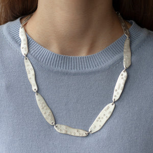 PARAGON ACME II 22 inches silver necklace on a model | Margo Orlovik IMPRINT Collection Contemporary Jewellery