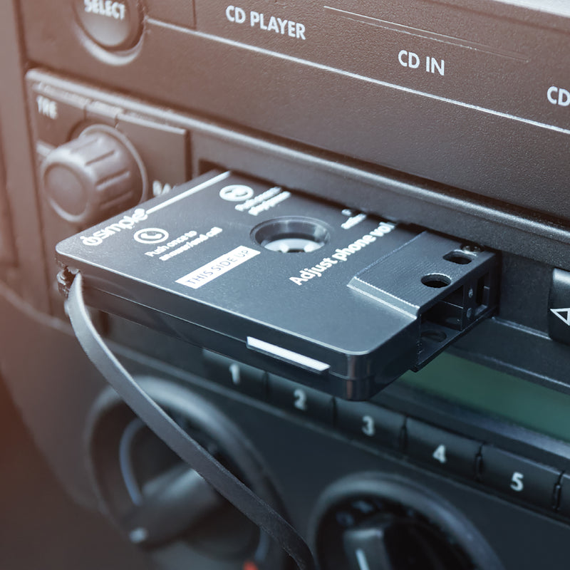 HOW YOU CAN CONNECT YOUR SMARTPHONE TO YOUR CAR EASILY – EVEN IF IT'S A TOTAL BEATER!