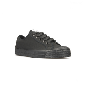 Novesta All Black low top sneaker