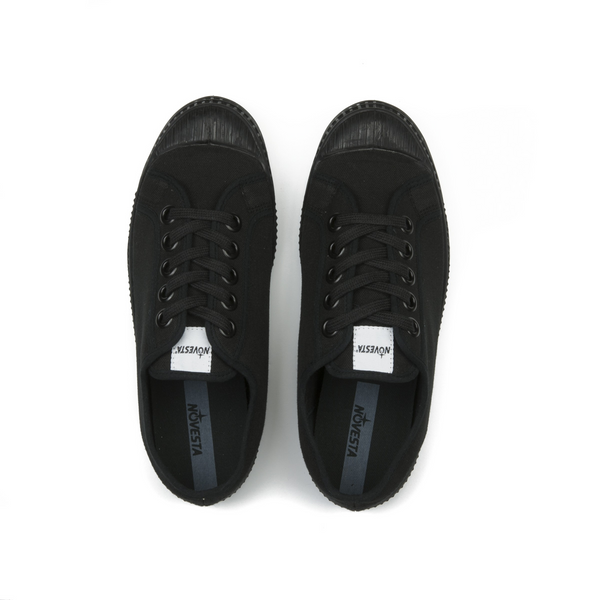 Novesta All Black low top sneaker - aerial view