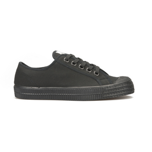 Novesta All Black low top sneaker - side view