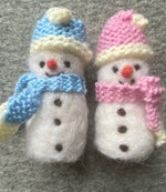 Load image into Gallery viewer, Hand Knitted Hat & Scarf Set for Small Snowman