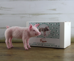 Load image into Gallery viewer, Pippin The Pig  Needle Felting Kit