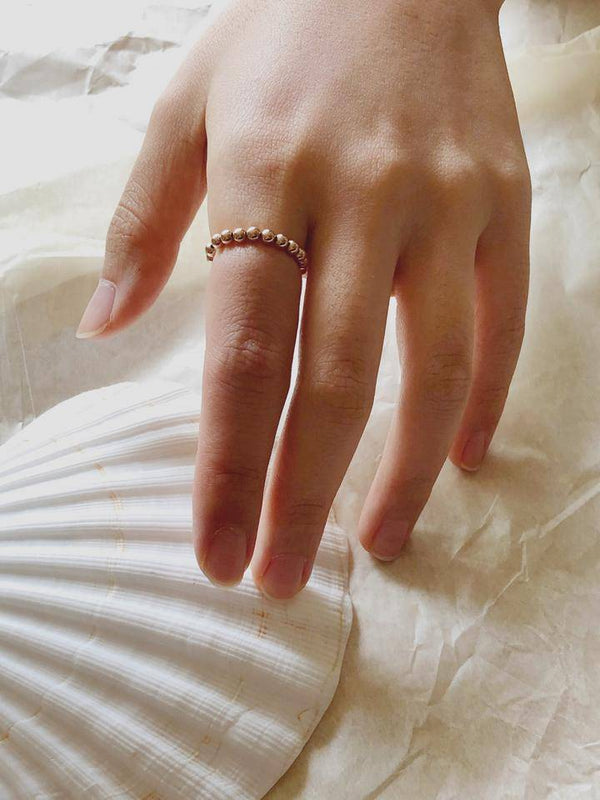 Stretch'n bead ring