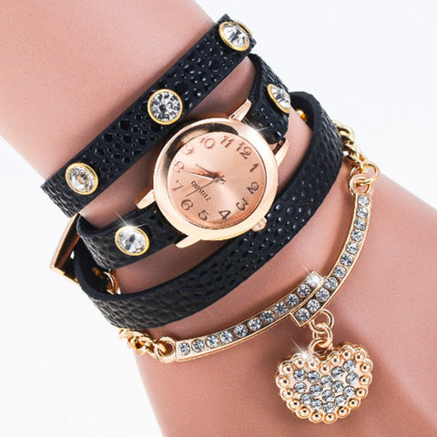 Glitter Woman Watches Rhinestone Heart Pattern Pendant Bracelet Round Head Casual Watch Fashion Leather MetalChain Diamond Rivet