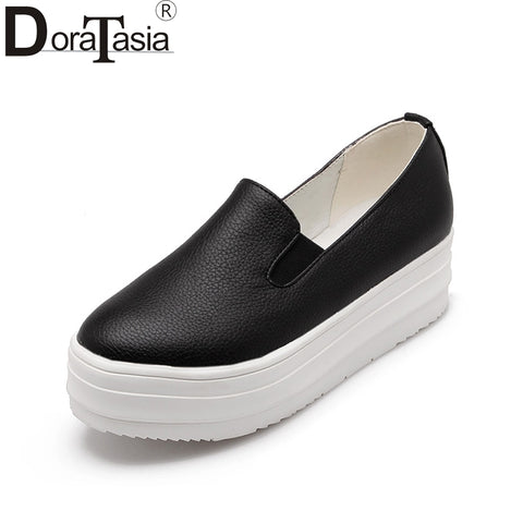 Fashion Big Size 31-43 Platform Flats Slip On Black White Comfortable Spring Girls Shoes Women Loafers