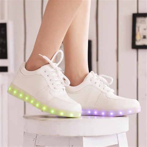 2015 Women Colorful glowing sneakers with lights up led luminous shoes