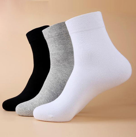 1 Pairs Free shipping Classic black white gray solid color socks Fashion brand quality sports men's socks casual socks for men