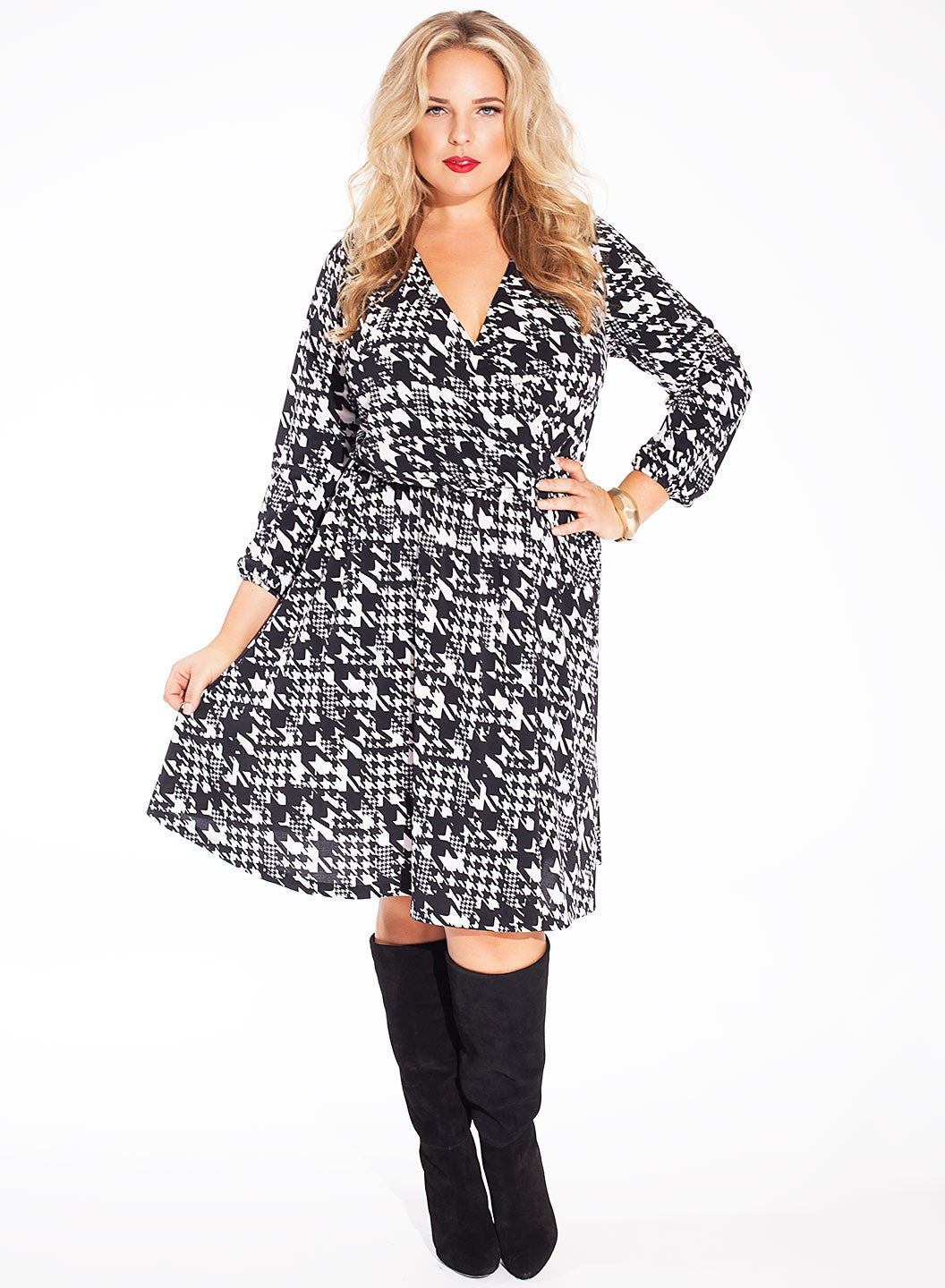 Meredith Dress in Noir Estate # Plus-size ruha