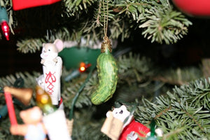 What is the German Christmas Pickle really? The History