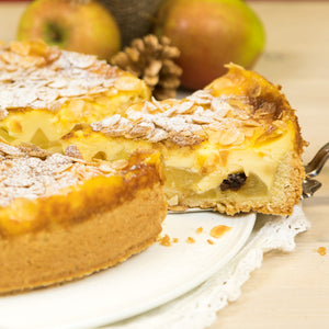 German Holiday Apple Cake