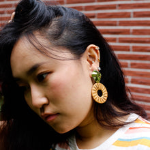 Load image into Gallery viewer, Rattan Gold Ripple Statement Earrings